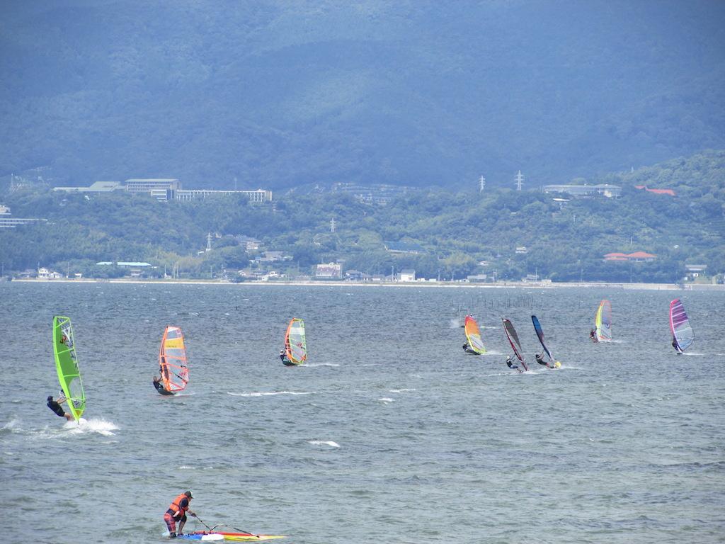 8月26日、浜名湖村櫛、西北西の風10m/sオーバー