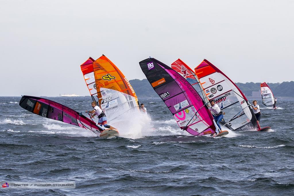 Antoine Albeau(FRA-192)Leds The Final ⓒJohn Carter_pwaworldtour.com