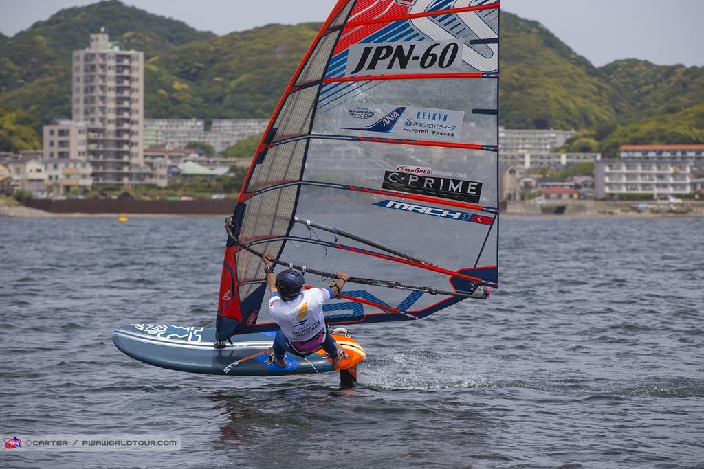 Tomonori Anami(JPN-60) ⓒJohn Carter_pwaworldtour.com 穴見はフォイルでも2レースを終えた時点で46人中の17位。日本人最高位にいる。