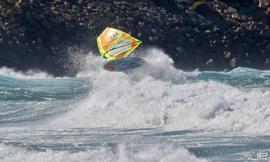 PWA WORLD TOUR 2018 / Gran Canaria Wind & Waves Festival 25th, Takuma Sugi(J-7 / GA Sails, Tabou Boards)/ ⒸJose Piña