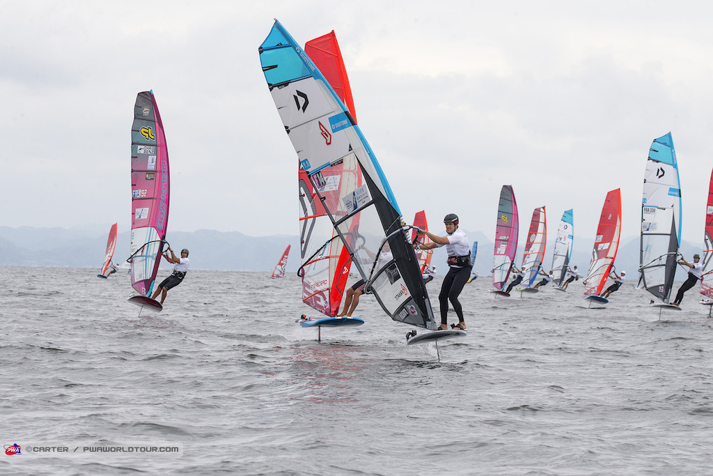 Winner_Pierre Mortefon(F-14)