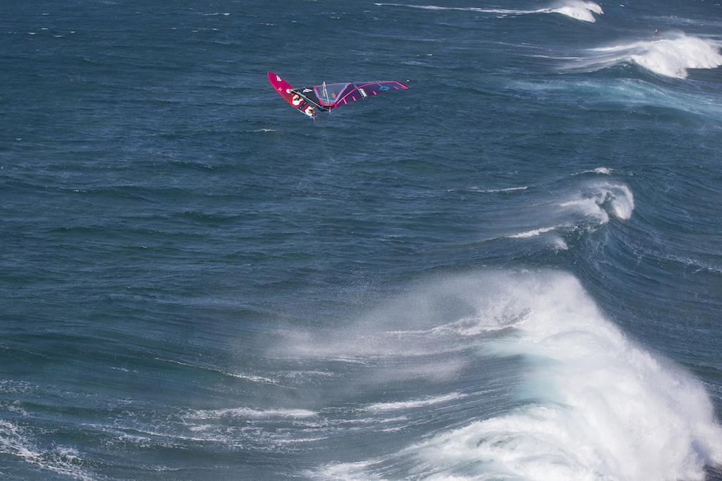 Victor Fernandez(E-42) @ Hookipa, Maui, Hawaii / ⒸDuoTone_John Carter