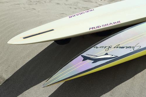 Jimmy Lewis_MUD SHARK シャープなエッジにボキシーレイル、ボードの名前も凶暴そうでかっこいい。