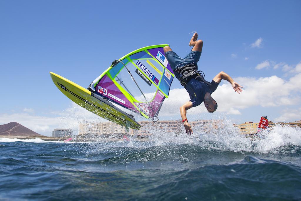 Ricardo Campello(V-111)@ Tenerife 2019 / ⒸJohn Carter_pwaworldtour.com