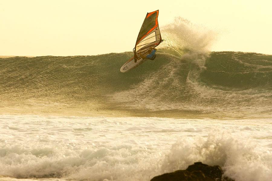 Scott McKercher(KA-181)@ Cabo Verde 2009 / ⒸJohn Carter_pwaworldtour.com ※ここに掲載する写真は取材時のそれではありません