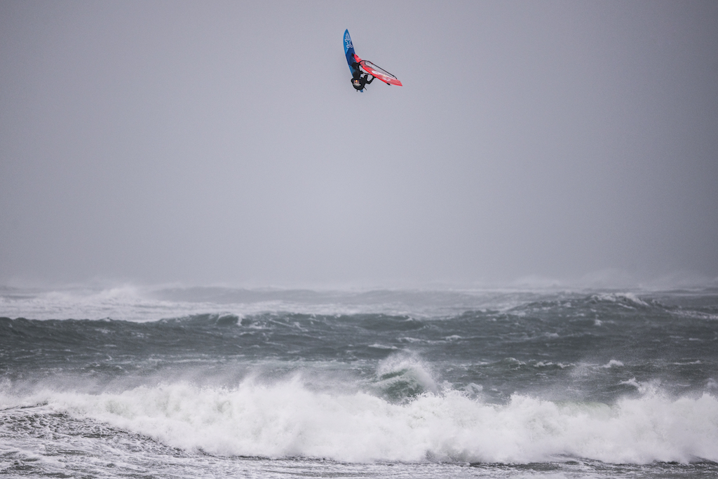 Jaeger Stone(KA-120)Red Bull Storm Chase 2019 / ⒸRed Bull Content Pool
