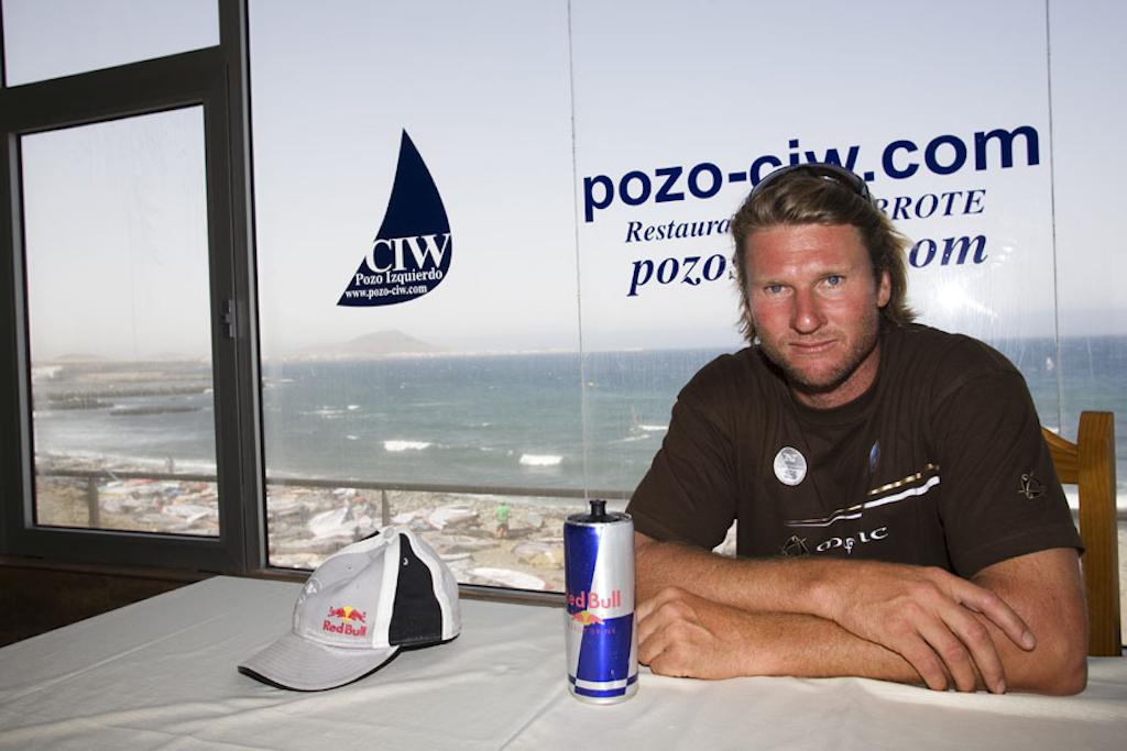 ▲ビヨン・ダンカベック_Björn Dunkerbeck(ESP-11)1990/92/93/94/95/99/2001年、PWAウェイブ・ワールド・チャンピオン。1969年7月16日生まれ、51歳。191cm/ⒸJohn Carter_pwaworldtour.com 2007